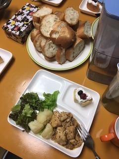 20161219_お肉とパン.JPG
